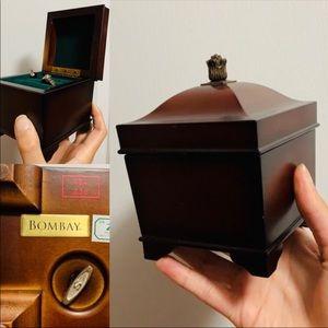 BOMBAY Musical Jewellery Box